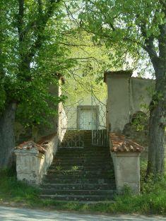 Kostel vMrtníku